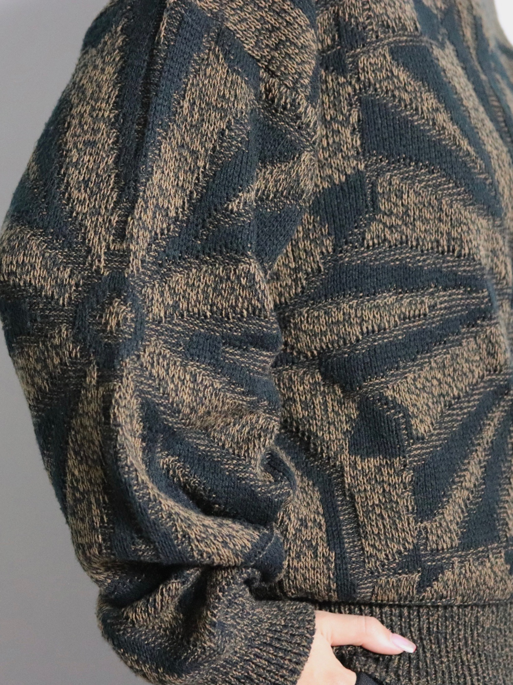 Native pullover knit