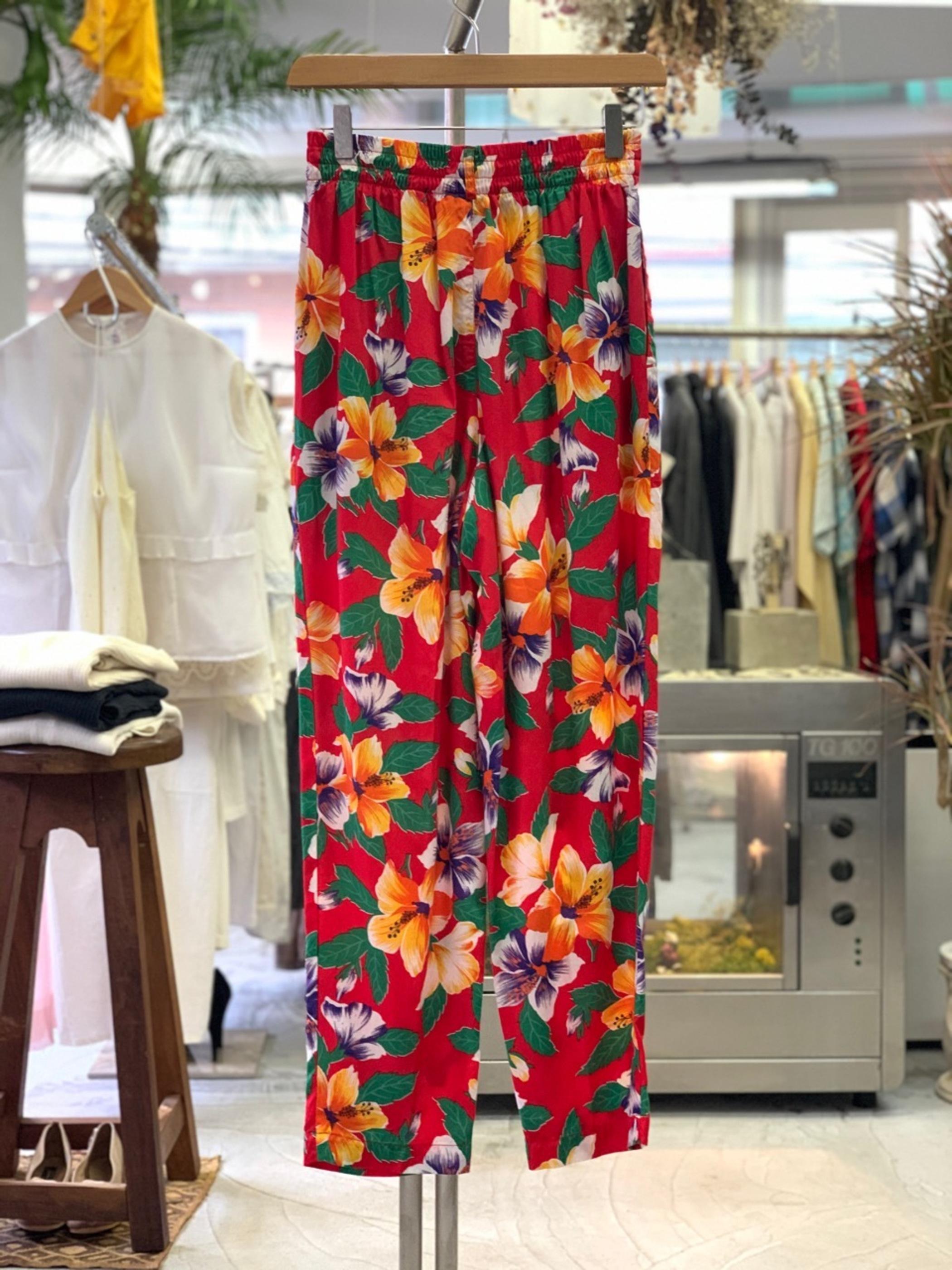 Lady's old GAP Flower pattern rayon pants