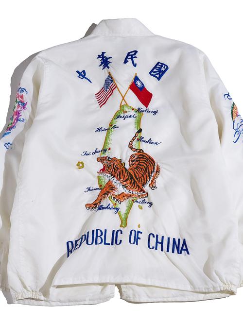 """1970s """"unknown"""" nylon souvenir jacket -WHITE-"""