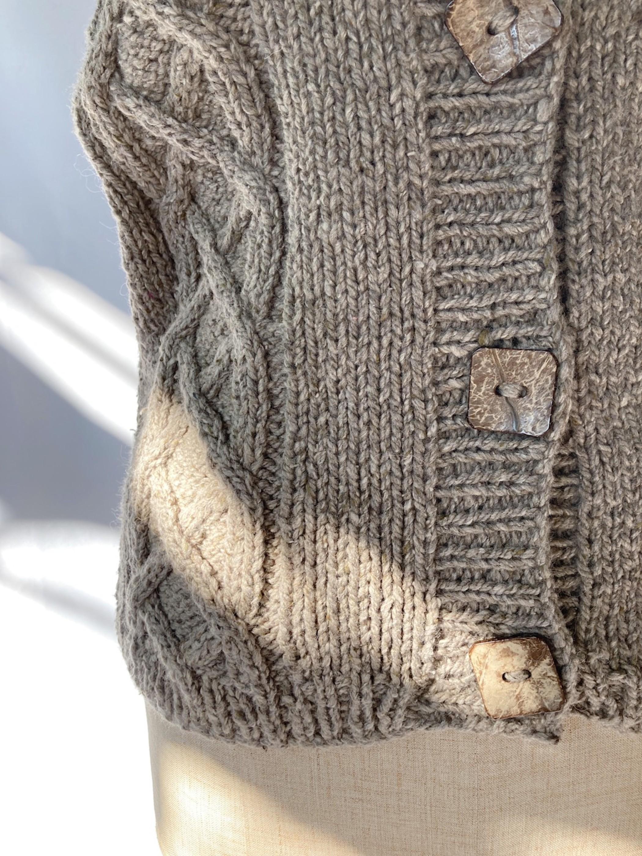alan knit vest