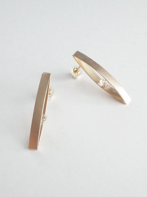 In quartz earrings marquis 5