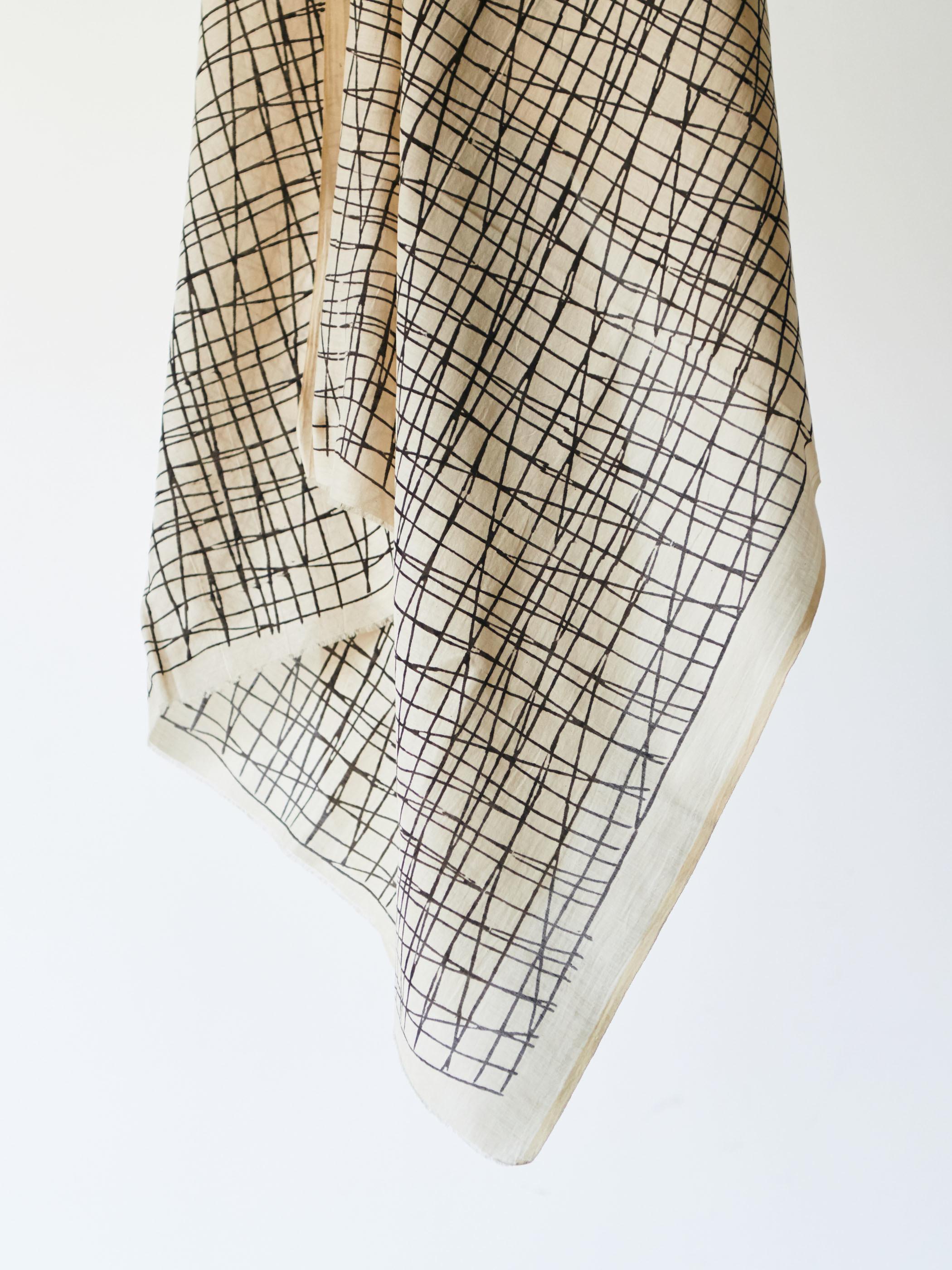 Stone shawl -Ivory-