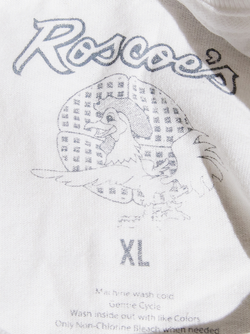 """NEW """"Roscoe's House of Chicken'n Waffle"""" print tee -WHITE-"""