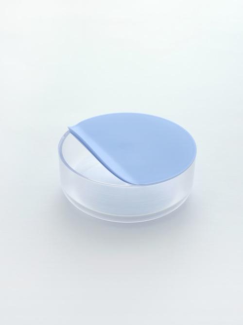 M02 blue