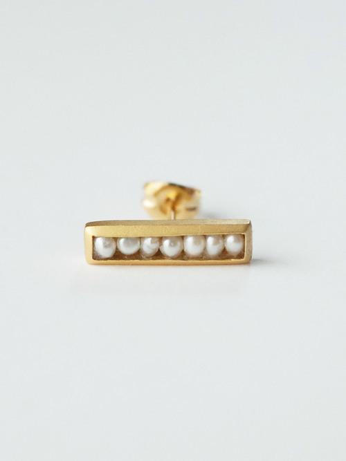 Si line pearl earring 1