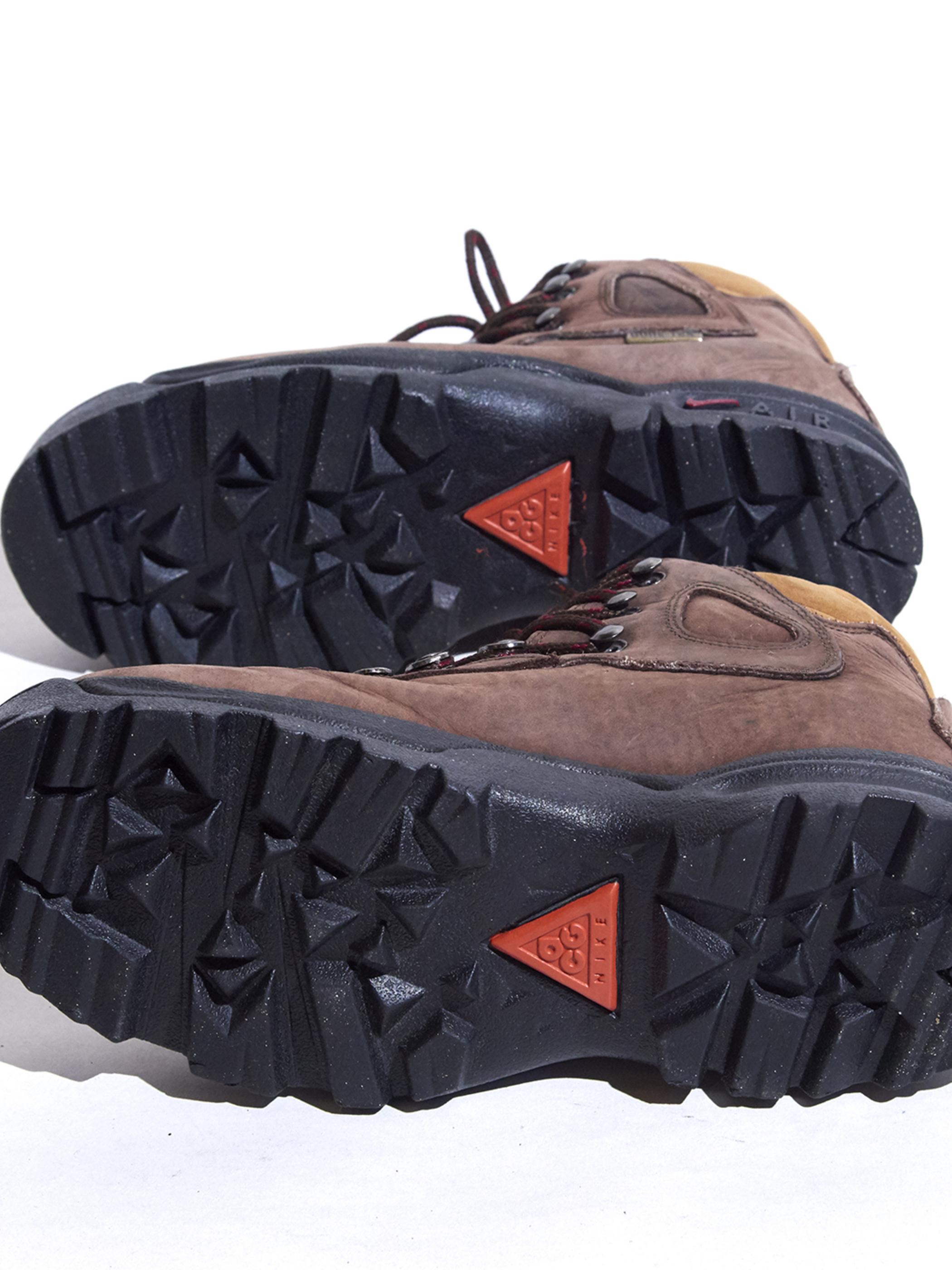 "1990s ""NIKE ACG"" trekking shoes -BROWN-"
