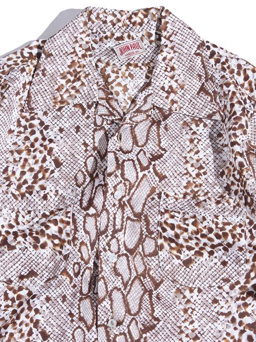 "1970s ""JOHN PAUL"" all over pattern polyester shirt -PYTHON-"