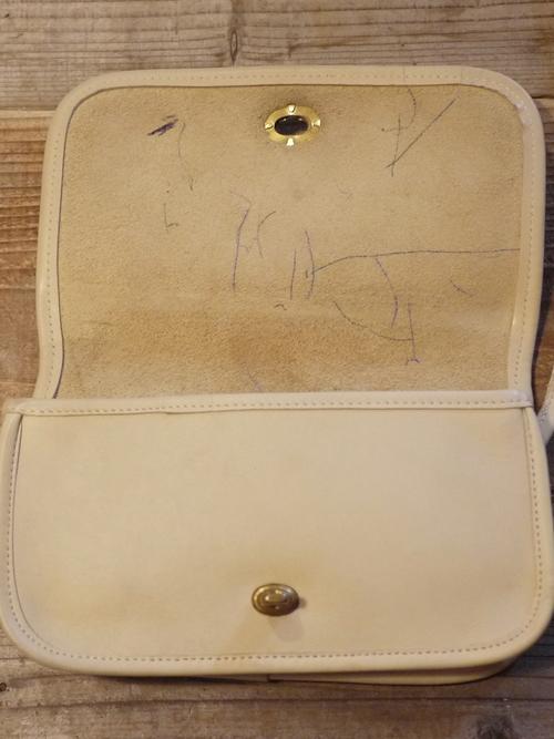"""Old COACH Leather Shoulder Bag """"White"""""""