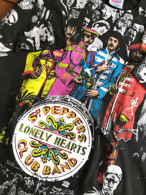 The Beatles/Sgt. Pepper's Lonely Hearts Club Band 90's repeating pattern T-shirt