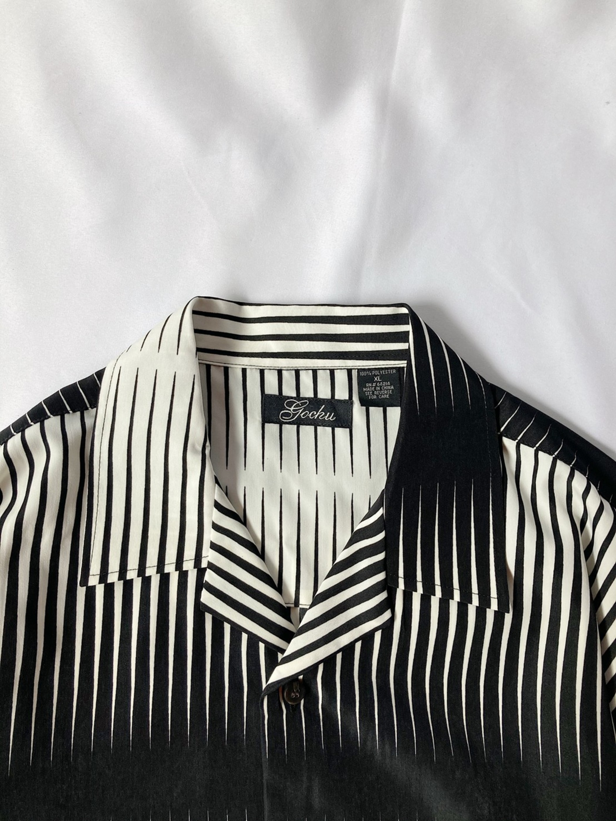 monochrome open collar shirt