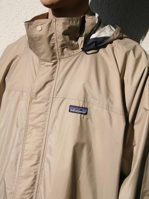 "2000s ""patagonia"" nylon shell jacket -BEIGE-"