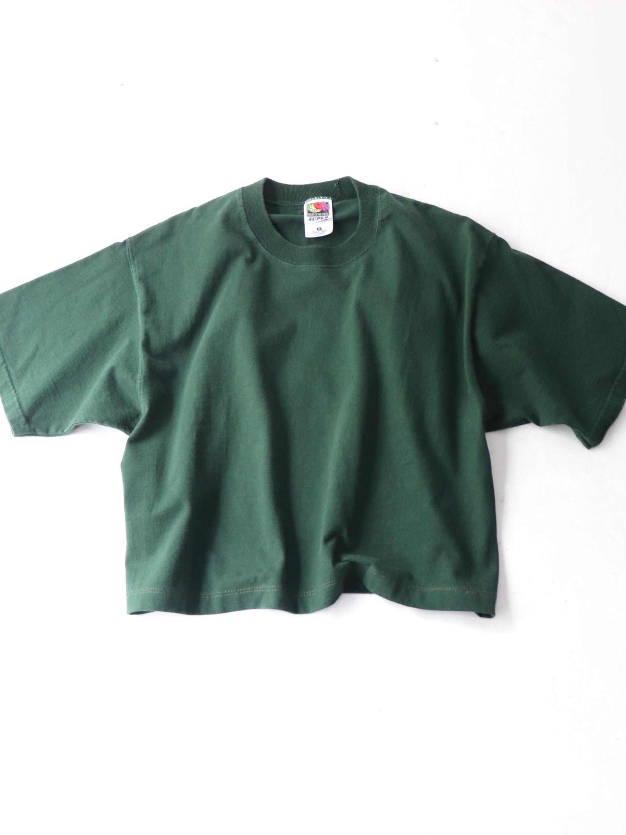 Various shortlength Tee shirt