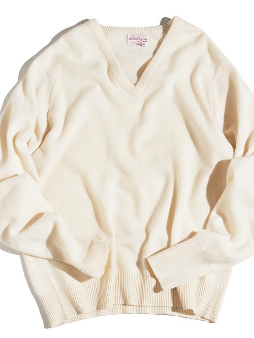 "1960s ""SAKS FIFTH AVENUE"" V-neck cashmere knit -WHITE-"