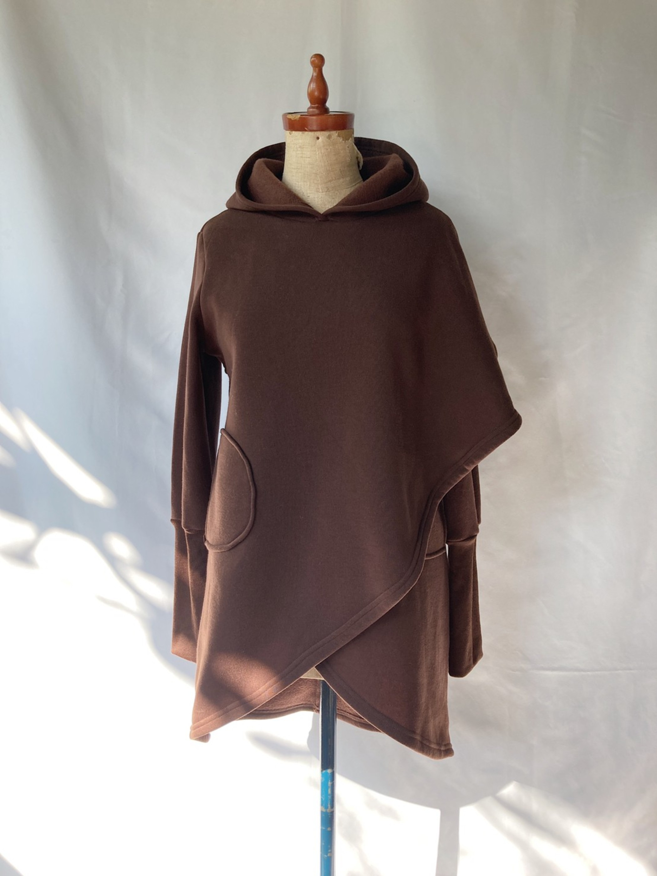asymmetry hooded sweat shirt