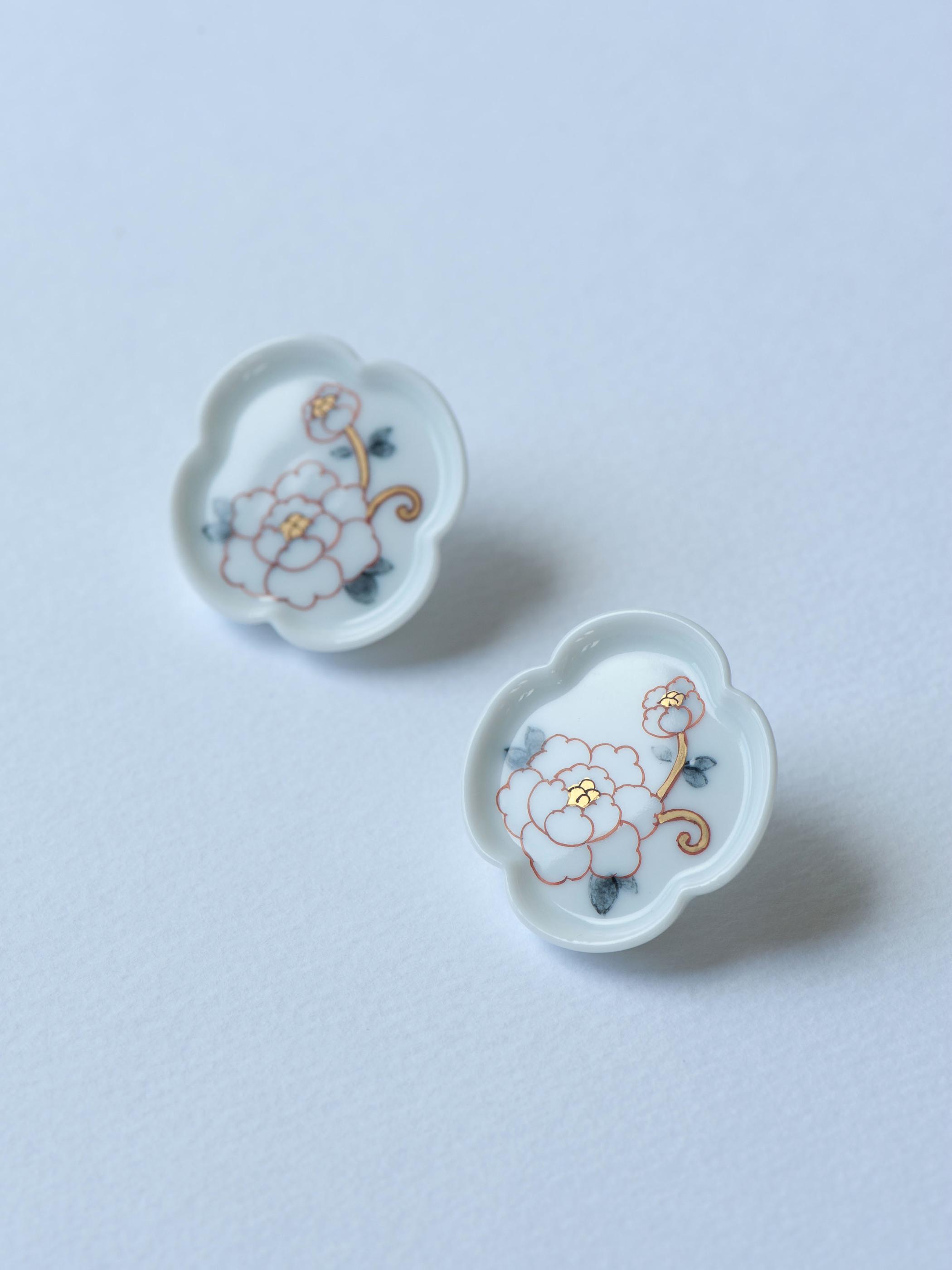 01 牡丹/Peony Mokkou Earrings - White