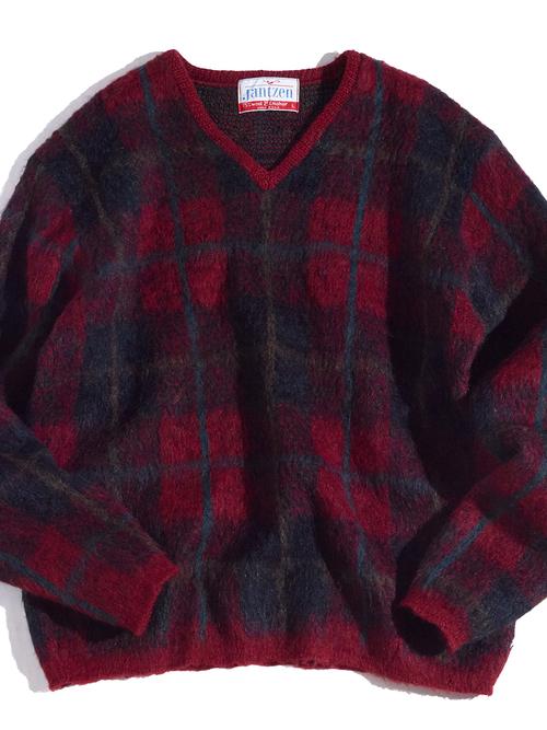 """1960s """"Jantzen"""" mohair v-neck knit -RED-"""