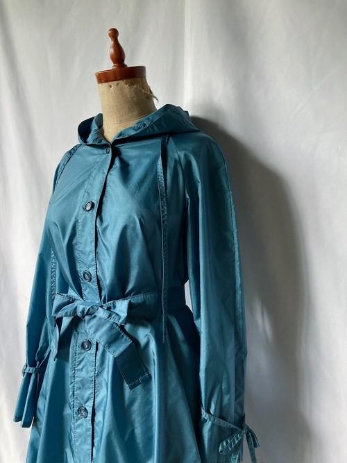 hooded nylon light coat