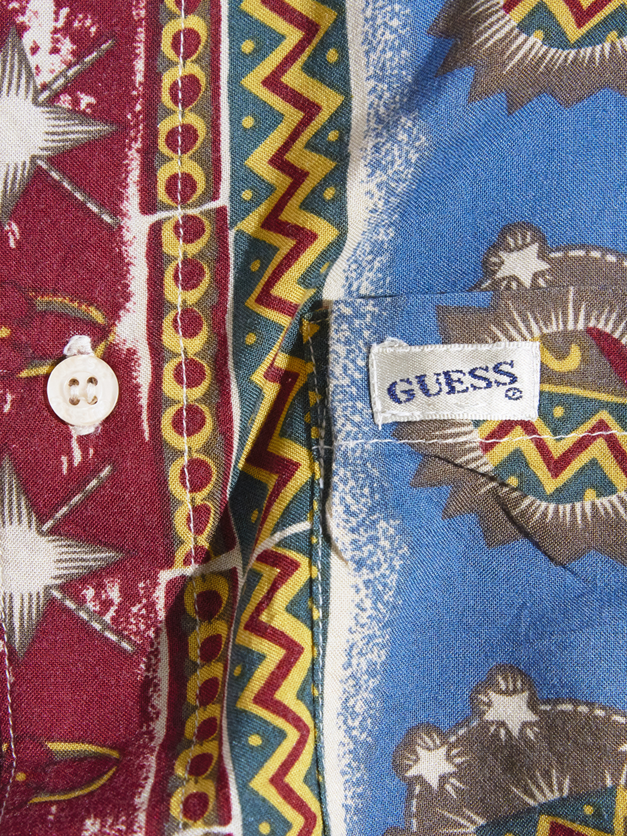 "1990s ""GUESS"" rayon batik pattern shirt -RED-"